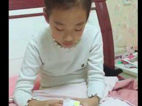 女儿玩魔方新纪录1分27秒…
